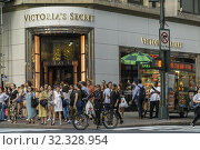 The Victoria's Secret store in busy Herald Square in Midtown in New York on Tuesday, August 20, 2019. Victoria's Secret is a brand of L Brands. Редакционное фото, фотограф Richard Levine / age Fotostock / Фотобанк Лори