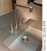 Купить «Stainless steel kitchen sink», фото № 32332474, снято 18 апреля 2018 г. (c) Дмитрий Кутлаев / Фотобанк Лори