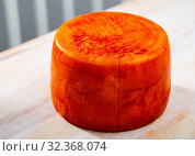 Купить «Tasty french goat cheese with pepper at wooden desk», фото № 32368074, снято 15 ноября 2019 г. (c) Яков Филимонов / Фотобанк Лори