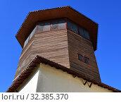 Bakhchisaray, Crimea - July 2.2019. Ancient Falcon tower - Kulesi Togan. The Khan Palace. Редакционное фото, фотограф Володина Ольга / Фотобанк Лори
