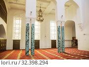 Interior of mosque in Saint Petersburg (2019 год). Стоковое фото, фотограф Юлия Бабкина / Фотобанк Лори