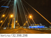 Купить «WHSD at night, empty cable-stayed bridge», фото № 32398298, снято 2 ноября 2019 г. (c) Юлия Бабкина / Фотобанк Лори