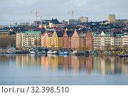Купить «Набережная Норр-Мэларстранд облачным мартовским днем. Стокгольм, Швеция», фото № 32398510, снято 9 марта 2019 г. (c) Виктор Карасев / Фотобанк Лори