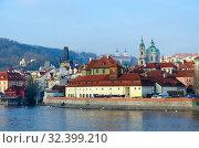 Купить «Красивый вид на набережную реки Влтава, Прага, Чехия», фото № 32399210, снято 23 января 2019 г. (c) Ольга Коцюба / Фотобанк Лори