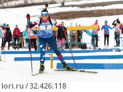 Sportswoman biathlete Yashunkina Yuliya skiing on distance biathlon complex (2019 год). Редакционное фото, фотограф А. А. Пирагис / Фотобанк Лори