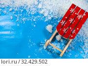 Купить «Wooden sleigh and snow», фото № 32429502, снято 2 ноября 2019 г. (c) Елена Блохина / Фотобанк Лори