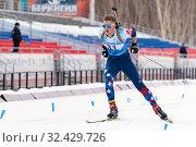 Купить «Sportsman biathlete Zaytsev Aleksander Saint Petersburg skiing on distance biathlon stadium», фото № 32429726, снято 12 апреля 2019 г. (c) А. А. Пирагис / Фотобанк Лори