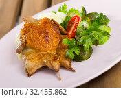 Купить «Tobacco quail with steamed vegetables», фото № 32455862, снято 26 января 2020 г. (c) Яков Филимонов / Фотобанк Лори
