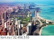 Chicago panorama on Concrete beach, i41 and lake (2018 год). Стоковое фото, фотограф Сергей Новиков / Фотобанк Лори