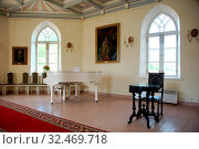 Interior of the Chapel of the Priory Palace in Gatchina. Стоковое фото, фотограф Zoonar.com/Sergei Aleliukhin / easy Fotostock / Фотобанк Лори