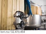 Купить «Tanks for storage and fermentation of beer in beer factory», фото № 32473454, снято 28 августа 2019 г. (c) Яков Филимонов / Фотобанк Лори