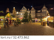 Купить «Рождественский базар в Вольфенбюттеле, Германия», фото № 32473862, снято 9 декабря 2018 г. (c) Михаил Марковский / Фотобанк Лори
