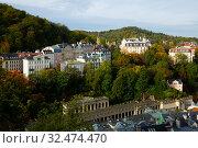 Купить «Karlovy Vary overlooking Mill Colonnade, Czech Republic», фото № 32474470, снято 11 декабря 2019 г. (c) Яков Филимонов / Фотобанк Лори