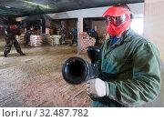 Купить «Portrait of guy in red mask», фото № 32487782, снято 10 июля 2017 г. (c) Яков Филимонов / Фотобанк Лори