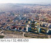 Aerial view of Diagonal Mar i el Front Maritim del Poblenou, Barcelona (2019 год). Стоковое фото, фотограф Яков Филимонов / Фотобанк Лори