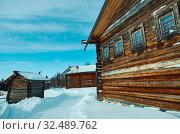 Russian Traditional wooden peasant house , Malye Karely village, Arkhangelsk region, Russia. Стоковое фото, фотограф Zoonar.com/MYCHKO / easy Fotostock / Фотобанк Лори