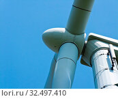 Купить «Windenergie-Alternative Strom Energie durch Windrad mit blauem Hmmel», фото № 32497410, снято 31 мая 2020 г. (c) age Fotostock / Фотобанк Лори