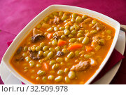 Купить «Catalan stewed beans», фото № 32509978, снято 3 апреля 2020 г. (c) Яков Филимонов / Фотобанк Лори