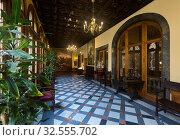 Luxurious interior of halls and corridors (2017 год). Стоковое фото, фотограф Яков Филимонов / Фотобанк Лори