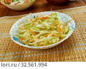 Traditional German Krautsalat cabbage salad, consists of finely shredded cabbage marinated with oil and vinegar. Стоковое фото, фотограф Zoonar.com/MYCHKO / easy Fotostock / Фотобанк Лори