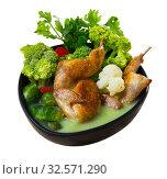 Cream soup with quails, broccoli, brussels sprouts and caulif. Стоковое фото, фотограф Яков Филимонов / Фотобанк Лори