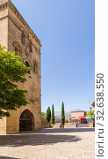 Купить «Лагуардия, Испания. Крепостная башня Torre Abacial», фото № 32638550, снято 23 июня 2017 г. (c) Rokhin Valery / Фотобанк Лори