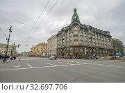 Купить «Невский проспект без машин», фото № 32697706, снято 12 сентября 2017 г. (c) Геннадий Соловьев / Фотобанк Лори