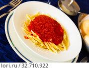 Купить «Trofie al pomodoro - spaghetti with tomato sauce. Italian cuisine», фото № 32710922, снято 30 марта 2020 г. (c) Яков Филимонов / Фотобанк Лори