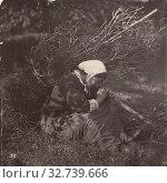 Купить «Woman with Kindling over Her Shoulder, Unknown maker, Giraudon's artist, late 1870s, Albumen silver print, 17.2 x 17.2 cm (6 3/4 x 6 3/4 in.)», фото № 32739666, снято 17 июня 2019 г. (c) age Fotostock / Фотобанк Лори