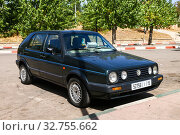 Купить «Volkswagen Golf», фото № 32755662, снято 28 сентября 2019 г. (c) Art Konovalov / Фотобанк Лори