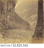Gordale Scars, Looking from the Lower fall., M. Horner (British, active Settle, England 1860s), 1860s, Albumen silver print (2019 год). Редакционное фото, фотограф ARTOKOLORO QUINT LOX LIMITED / age Fotostock / Фотобанк Лори