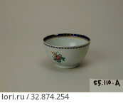 Купить «Unknown (Chinese), Cup, 1750/1800, porcelain with polychrome enamel and gilding, Overall: 1 15/16 × 3 3/8 inches (4.9 × 8.5 cm)», фото № 32874254, снято 30 марта 2020 г. (c) age Fotostock / Фотобанк Лори