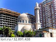 """Купить «Мечеть """"Аждарбек"""". Также известна как Голубая мечеть. Баку. Азербайджан», фото № 32891438, снято 26 сентября 2019 г. (c) Евгений Ткачёв / Фотобанк Лори"""