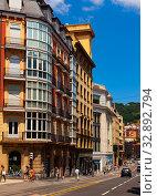 Купить «Cityscape of Spanish town Bilbao», фото № 32892794, снято 16 июля 2019 г. (c) Яков Филимонов / Фотобанк Лори