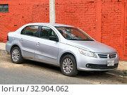 Купить «Volkswagen Voyage», фото № 32904062, снято 25 мая 2017 г. (c) Art Konovalov / Фотобанк Лори