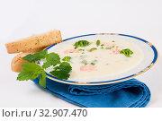 Spargelcremesuppe mit Brokkoli und Krabben. Стоковое фото, фотограф Zoonar.com/Helma Spona / age Fotostock / Фотобанк Лори