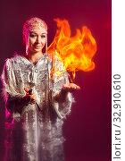 Огненное шоу от Снегурочки. Стоковое фото, фотограф Евгений Горбунов / Фотобанк Лори