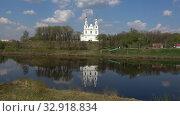 Купить «Вид на старинный Софийский собор солнечным апрельским днем. Полоцк, Белоруссия», видеоролик № 32918834, снято 10 января 2020 г. (c) Виктор Карасев / Фотобанк Лори