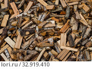 Фон. Дрова.  Куча наколотых дров для отопления частного дома. Стоковое фото, фотограф Литвяк Игорь / Фотобанк Лори