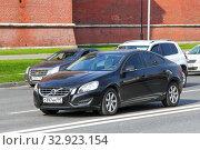 Volvo S60 (2012 год). Редакционное фото, фотограф Art Konovalov / Фотобанк Лори
