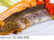 Купить «Deliciously steak of fried rainbow trout fillet with sauces on plate», фото № 32942098, снято 4 июля 2020 г. (c) Яков Филимонов / Фотобанк Лори
