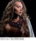 Купить «Erotica. Seductive woman posing in jewels», фото № 32950642, снято 16 мая 2016 г. (c) Гурьянов Андрей / Фотобанк Лори