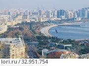 Купить «Городской пейзаж современного Баку декабрьским днем. Азербайджан», фото № 32951754, снято 29 декабря 2017 г. (c) Виктор Карасев / Фотобанк Лори