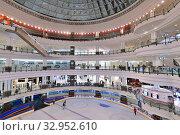 Купить «Doha, Qatar - Nov 18. 2019. Doha City Center - Shopping Center. Interior», фото № 32952610, снято 18 ноября 2019 г. (c) Володина Ольга / Фотобанк Лори