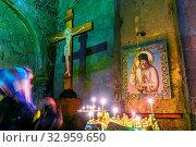 MTSKHETA, GEORGIA - OCT 25, 2018: Interior of Svetitskhoveli Cathedral in the historic town of Mtskheta, Georgia. Стоковое фото, фотограф Zoonar.com/monticello / easy Fotostock / Фотобанк Лори