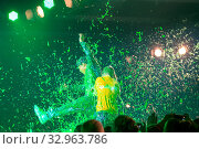 DORTMUND, Germany - December 1st 2018: Spotlight Cast at Nickelodeon Slimefest 2018, the first Slimefest in germany. Стоковое фото, фотограф Zoonar.com/Markus Wissmann / age Fotostock / Фотобанк Лори