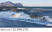 Купить «Seashore with waves», фото № 32999270, снято 19 августа 2018 г. (c) Юрий Бизгаймер / Фотобанк Лори