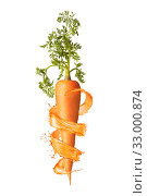 Купить «Vertical fresh ripe carrot root with splashes.», фото № 33000874, снято 17 ноября 2017 г. (c) Ярослав Данильченко / Фотобанк Лори