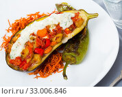 Купить «Eggplant with vegetable stew in sour cream», фото № 33006846, снято 15 июля 2020 г. (c) Яков Филимонов / Фотобанк Лори