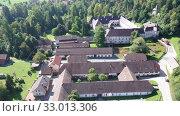 Купить «Panoramic view from drone of the Bistra castle in Vrhnika. Slovenia», видеоролик № 33013306, снято 4 сентября 2019 г. (c) Яков Филимонов / Фотобанк Лори